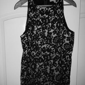 Sleeveless flowy shirt